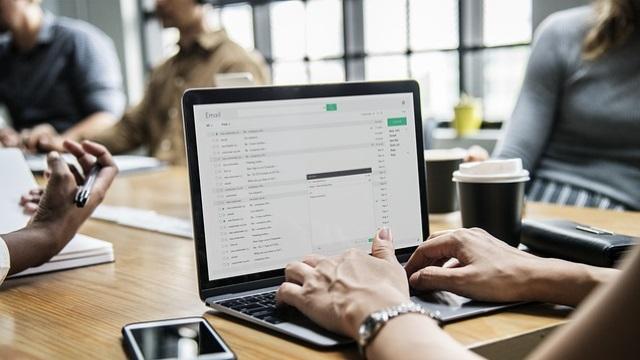 Kako postaviti mail u Outlook